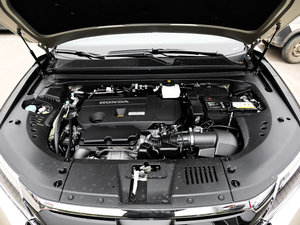 2017款370TURBO 四驱尊耀版 发动机