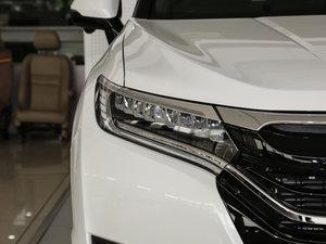 2017款370TURBO 两驱尊贵版 头灯