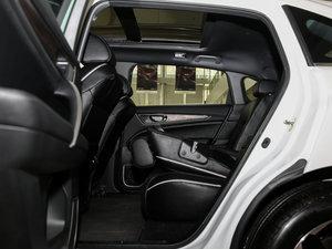 2017款370TURBO 两驱尊贵版 后排座椅放倒
