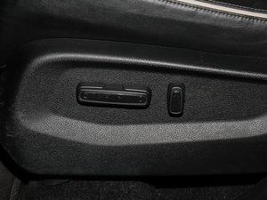 2017款370TURBO 两驱尊贵版 座椅调节