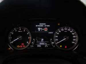 2017款370TURBO 四驱尊享版 仪表