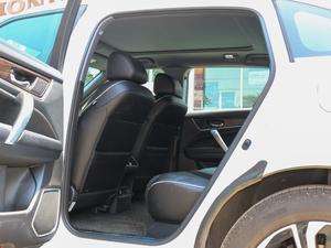 2017款370TURBO 四驱尊耀版 后排空间
