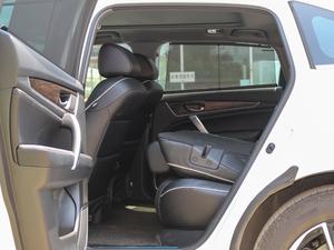 2017款370TURBO 四驱尊耀版 后排座椅放倒