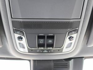 2017款370TURBO 四驱尊耀版 中控区