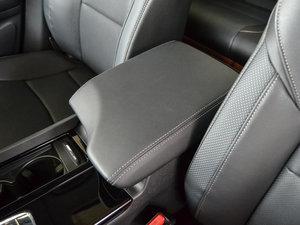 2017款2.0L CVT 舒适版 前排中央扶手