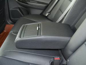 2017款2.0L CVT 舒适版 后排中央扶手
