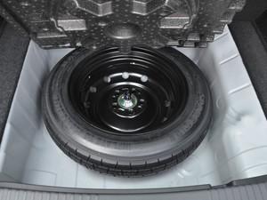 2017款1.8L EXi CVT舒适版 备胎