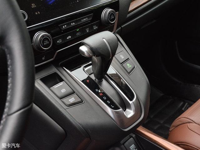 动系统所匹配的CVT变速箱是本田专门为涡轮增压车型所打造的,在高清图片