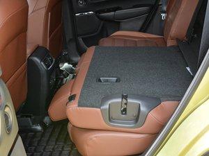2017款240TURBO 自动四驱尊耀版 后排座椅放倒