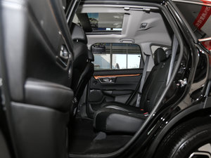 2017款240TURBO 自动四驱尊贵版 后排空间