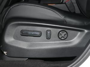 2017款240TURBO 自动两驱风尚版 座椅调节