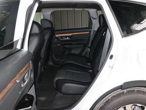 2017款240TURBO 自动两驱风尚版 后排空间