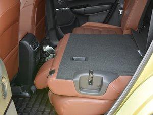 2017款2.0L 净致版 后排座椅放倒