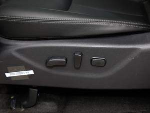 2018款2.5L XV 自动四驱旗舰版 座椅调节