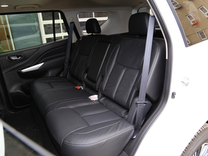 2018款2.5L XV 自动四驱旗舰版 后排座椅