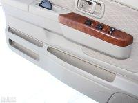 空间座椅日产D22皮卡车门储物空间