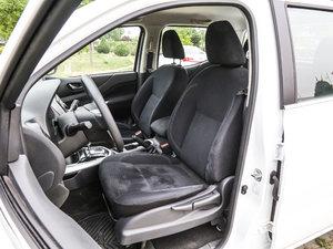 2017款2.5L 自动四驱豪华版 前排座椅