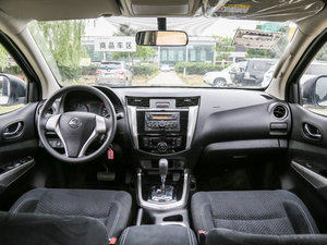 2017款2.5L 自动四驱豪华版 全景内饰