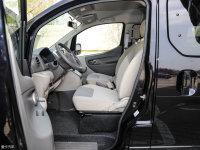 空间座椅日产NV200前排空间