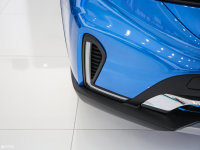 细节外观广汽ix4 EV雾灯