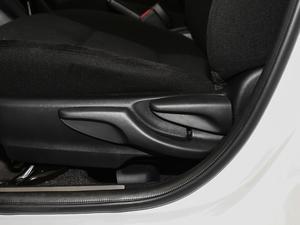 2018款1.5E CVT冠军限量版 座椅调节