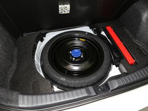 2018款1.5E CVT冠军限量版 备胎