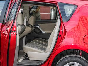 2014款180G 5座CVT舒适版 后排空间