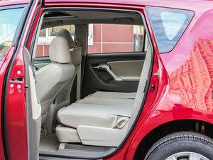 2014款180G 5座CVT舒适版 后排座椅放倒