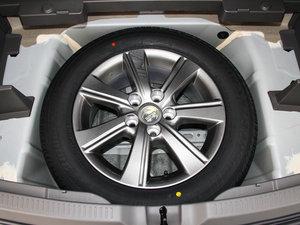 2014款180E 五座CVT基本型 备胎