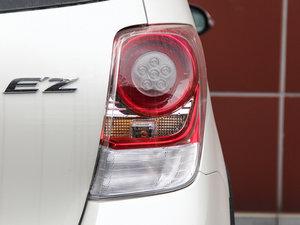 2014款180E 五座CVT基本型 尾灯