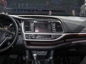 2015款2.0T 七座四驱至尊版 中控区