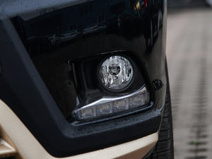 2015款3.5L 七座四驱豪华版 雾灯