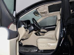 2015款3.5L 七座四驱豪华版 前排空间