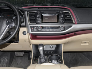2015款3.5L 七座四驱豪华版 中控台