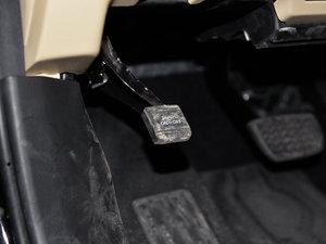 2015款3.5L 七座四驱豪华版 驻车制动器