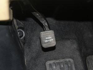 2015款2.0T 七座两驱精英版 驻车制动器
