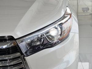 2015款2.0T 七座四驱豪华版 头灯