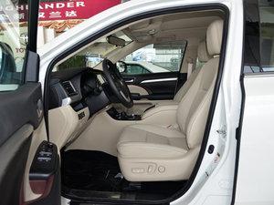2015款2.0T 七座四驱豪华版 前排空间