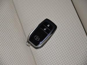 2015款2.0T 七座四驱豪华版 钥匙