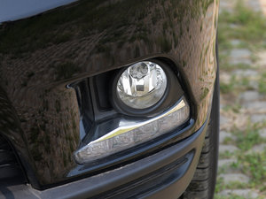 2015款3.5L 七座四驱精英版 雾灯