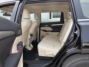 2015款3.5L 七座四驱精英版 后排空间
