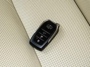 2015款2.0T 七座四驱至尊版 钥匙