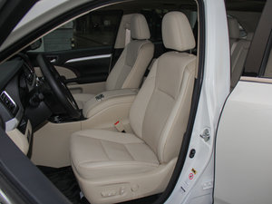 2015款2.0T 七座四驱豪华导航版 前排座椅