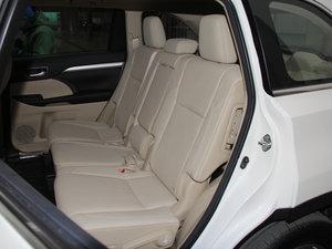 2015款2.0T 七座四驱豪华导航版 后排座椅