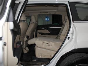 2015款2.0T 七座四驱豪华导航版 后排座椅放倒