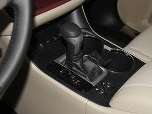 2015款2.0T 七座四驱豪华导航版 变速挡杆