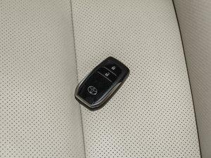 2015款2.0T 七座四驱豪华导航版 钥匙