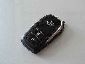 2015款2.0T 七座两驱豪华版 钥匙