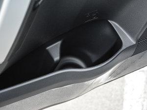 2017款改款 185T CVT领先版 车门储物空间