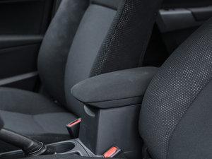 2017款1.8H GS CVT精英天窗版 前排中央扶手